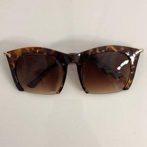 Accessories - Quirky Cut Frame Tortoise Shell Color Sunglasses